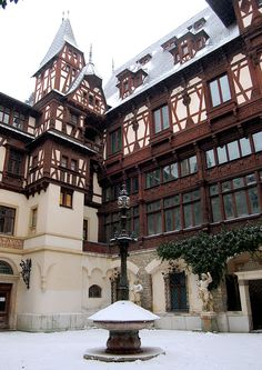 Peleş Castle Courtyard in Sinaia, Romania. Peles Castle, Medieval Castle, Beautiful Castles, Beautiful Places, Romanian Castles, Cathedral Architecture, Fantasy Castle, Second Empire, House Styles
