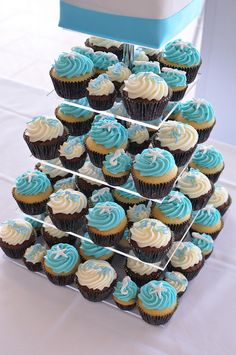beached themed cupcake | Beach themed aqua blue wedding cupcakes | Flickr - Photo Sharing!