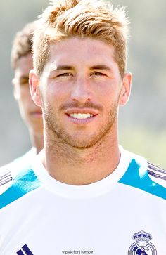 Sergio Ramos, Real Madrid, My idol David Beckham, Soccer Stars, Soccer Boys, Football Boys, Cristiano Ronaldo, Real Madrid Sergio Ramos, Ramos Haircut, Madrid Football, Spain Football