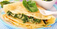 Baked Herb Crepes: These savory spinach and ricotta crepes are a show stealer at the brunch table. Indian Snacks, Mexican Food Recipes, Vegetarian Recipes, Healthy Recipes, Ethnic Recipes, Dinner Party Recipes, Brunch Recipes, Pate A Crepe Simple, La Florentine