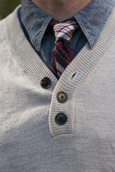 Com jeans, anything goes. E se tiver um azul na gravata... linka. Um duo casual.