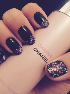 Black and glitter :) not my best work!