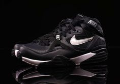 6ebd80bbae9a8f Bo Jackson s Nike Air Trainer Max 91 Leather in the Classic Black and Silver