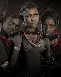 As for most other tribes of the Omo Valley, cattle are central to the lives of the Dassanech. When they lose their cattle to disease, drought or raid by a neighbouring tribe, they turn to the world's largest desert lake for sustenance, hunting fish, crocodile and the occasional hippo.
