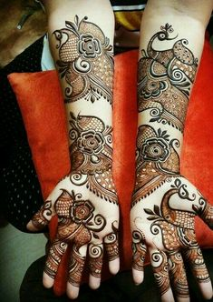 Top 99 Latest Mehndi Designs a bride wants on her wedding day; Mehandi is an integral a part of our Indian culture Back Hand Mehndi Designs, Latest Bridal Mehndi Designs, Full Hand Mehndi Designs, Stylish Mehndi Designs, Henna Art Designs, Mehndi Designs For Girls, Mehndi Design Photos, Wedding Mehndi Designs, Mehndi Designs For Fingers