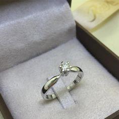Anel Oregon com diamante de 15 pontos. Disponível em www.reisman.com.br.  Reisman Alianças b6c1d1e634