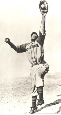 Buck O'Neil, Kansas City Monarchs