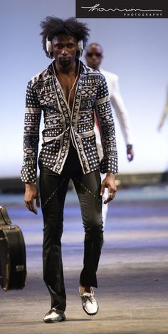 African Fashion Is Hot African Print Fashion, Africa Fashion, African Inspired Clothing, Style Ethnique, Afro, African Textiles, Boys Wear, Kitenge, Well Dressed Men