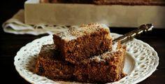 Φανουρόπιτα, η Κουλούρα του Αγίου Φανούρη Greek Sweets, Food Decoration, Dessert Recipes, Desserts, Greek Recipes, Banana Bread, Muffin, Baking, Breakfast