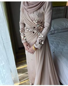 Abaya Fashion, Muslim Fashion, Fashion Dresses, Dress Brokat Muslim, Hijab Evening Dress, Kebaya Dress, Oriental Dress, Pretty Wedding Dresses, Draped Dress
