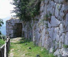 Segni, porta Foca e mura megalitiche