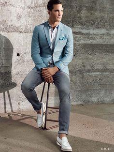 Sakkos in trendigem Türkis mit grauer Jeans – schick und dennoch lässig #Digel