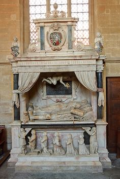 Tomb of Sir Edward Lewys - priory church, Edington Cemetery Statues, Cemetery Art, Angel Statues, Cemetery Records, Famous Historical Figures, Historical Monuments, Death Art, 17th Century Art, Old Cemeteries