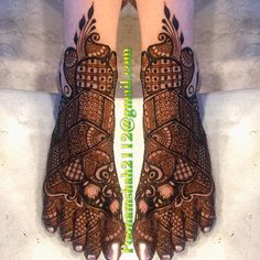 "2,272 Likes, 9 Comments - Poonam mehendi (@poonammehendi_hennaartist) on Instagram: ""FOR CLASSES AND BRIDAL ORDER BOOKINGS, CONTACT ON +919930042760. #mehendi #henna #bridal #design…"""