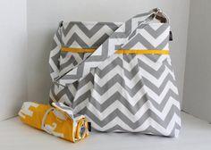 Monterey Chevron Diaper Bag Set  bandoulière réglable  par BagEnvy