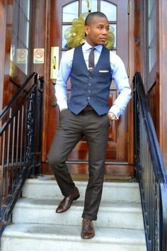 Sabir Peele of Men's Style Pro matching up blues and browns.  Time to stand out at work on a boring Wednesday.