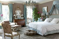 More color to like and I LOVE the leopard print carpet! #decor