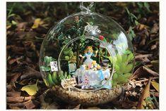 Aliexpress.com: Comprar Nuevo llega Diy Doll House Mini Bola de cristal kits de edificio modelo hecho a mano regalo de Navidad de madera en miniatura de juguete Dollhouse de regalos hechos en los EE.UU. fiable proveedores en BOA 's store