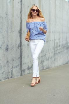 Striped cut off, white denim and leather shoes: picture perfect summer style.
