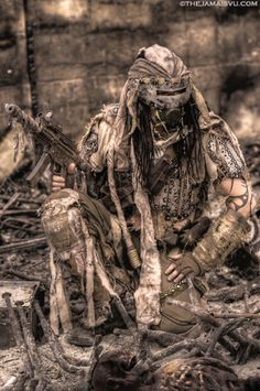 ashes to ashes Post Apocalyptic Costume, Post Apocalyptic Art, Post Apocalyptic Fashion, Post Apocalypse, Apocalypse Costume, Mad Max, Fallout, Wasteland Warrior, Dystopia Rising