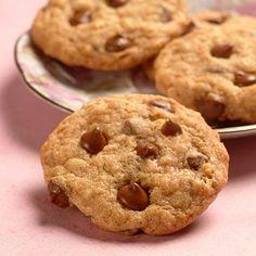 Milk Chocolate Oatmeal Cookies (Easy; 3 dozen cookies) #milkchocolate #oatmeal #cookies