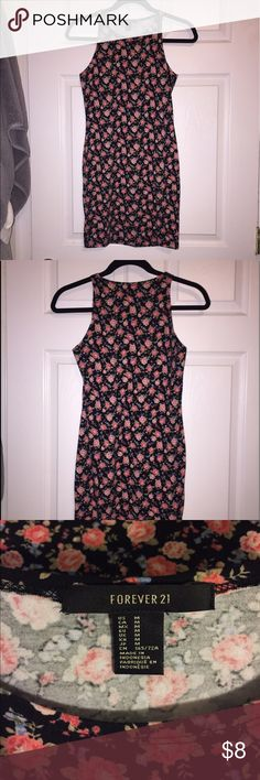 Forever 21 Floral Bodycon Dress Medium Forever 21 Floral Bodycon Dress size Medium Forever 21 Dresses