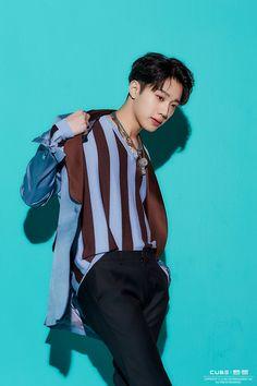 [Woo Suk X-related] Mini 1 Collection Jacket shooting scene Behind: Naver Post Rapper, Kdrama, Pentagon Wooseok, All Pop, How To Speak Korean, Guan Lin, Cute Korean Boys, Lai Guanlin, Kim Jaehwan