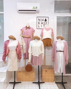 Korean Fashion – How to Dress up Korean Style – Designer Fashion Tips Cute Fashion, Look Fashion, Trendy Fashion, Girl Fashion, Vintage Fashion, Fashion Outfits, Fashion Design, Korea Fashion, Asian Fashion