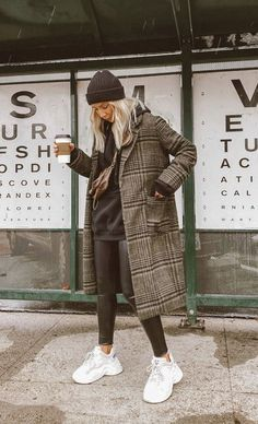 winter outfits cold Tous les conseils et ides de t - winteroutfits Winter Outfits For Work, Winter Outfits Women, Casual Winter Outfits, Winter Fashion Outfits, Look Fashion, Trendy Outfits, Fall Fashion, Winter Outfits For Teen Girls Cold, Popular Outfits