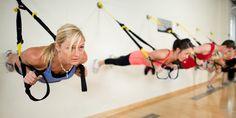 Très en vogue, le TRX Suspension Training (pour « Total Resistance Exercice ») est un système d'entraînement inventé par les forces spéciales américaines, qui permet de faire une multitude d'exercices n'importe où…. Ses exercices de gainage en font un atout indispensable pour obtenir un ventre ferme.