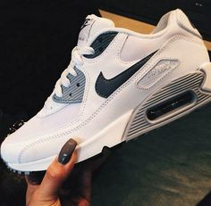 Discovered by nike and fashion. Find images and videos about fashion, nike and air max on We Heart It - the app to get lost in what you love. Nike Shoes Cheap, Nike Free Shoes, Nike Shoes Outlet, Cheap Nike, Cute Shoes, Me Too Shoes, Converse, Tenis Casual, Site Nike
