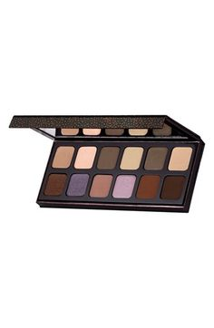 Free shipping and returns on Laura Mercier 'Extreme Neutrals' Eyeshadow Palette at Nordstrom.com. Laura Mercier Extreme Neutrals Eyeshadow Palette is a curated collection of colors, textures and finishes inspired by Laura's artistry. It's designed to smoke, highlight and diffuse to create endless looks that are classic and timeless but have an edge, too. Reinvent the smoky nude with shades that range from earthtones to warm chocolates to accents of lavender.Shades include:- Dune Matte- Wind…