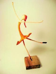 *** TALLER DE PAPEL *** (pág. 805) | Aprender manualidades es facilisimo.com Paper Mache Projects, Paper Mache Crafts, Wire Crafts, Paper Art, Paper Dolls, Art Dolls, Glow Table, Life In Pieces, Toys