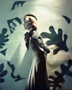 Cecil Beaton for Vogue, 1940s. #vintage #1940s #fashion