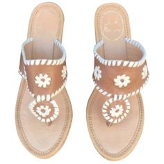 Pre-owned Jack Rogers Marbella Cognac And Bone Sandals ($101) ❤ liked on Polyvore featuring shoes, sandals, zapatos, cognac and bone, cognac sandals, pre owned shoes, rubber sole shoes, platform shoes and cognac shoes