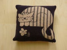 Pin by Sue Spencer on Cat Cushions/Pillows Cat Cushion, Cat Pillow, Cat Crafts, Love S, Cat Art, Cat Lovers, Dog Cat, Cushions, Throw Pillows