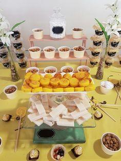 Mesa de dulces AMARILLO