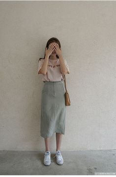 Modest Outfits, Modest Fashion, Skirt Fashion, Trendy Outfits, Cute Outfits, Fashion Outfits, Trendy Clothing, Skater Fashion, Summer Outfits