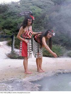 Maori Women Cooking in Hot Spring Wearing Traditional Costume, Rotorua, North Island, New Zealand Stock Photo Polynesian Dance, Polynesian Culture, We Are The World, People Of The World, Costume Ethnique, North Island New Zealand, New Zealand Holidays, Maori People, Maori Designs