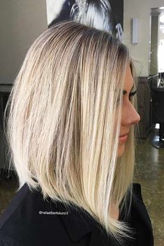 Haircut Bob Medium Shoulder Length Fine Hair Ideas Haircut Bob Medium Shoulder Length Fine Hair Ideas Short Hairstyles That'll Make You Look Gorgeous! 130 ways to prove your thin hair looks sassy - page 32 - Cortes de cabelo da moda para 2018 Haircuts For Fine Hair, Long Bob Haircuts, Straight Hairstyles, Lob Haircut Thin, Haircut Medium, Layered Haircuts, Black Hairstyles, A Line Hairstyles, Trendy Haircuts