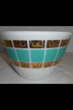 Vintage fire king. Aqua gold bowl. Vintage Bowls, Vintage Dishes, Vintage Glassware, Vintage Kitchen, Vintage Fire King, Childhood Days, Glass Kitchen, Anchor Hocking, Pyrex