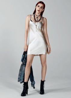 Sophia Abrahão em: moda anos 90                                                                                                                                                      Mais