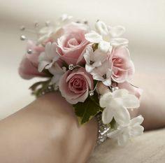 bracciali floreali per damigelle - Cerca con Google