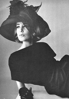Vogue ♥ 1964 | More fashion lusciousness here: http://mylusciouslife.com/photo-galleries/historical-style-fashion-film-architecture/