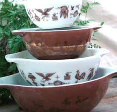 Pyrex Early American Cinderella Mixing Bowls Nesting Set Of Four 1960s