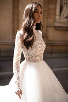 Bella This number with sleeves is a looker Tag someone you know you would love … - Wedding Ideas Classy Wedding Dress, Wedding Dress Trends, Wedding Dress Sleeves, Modest Wedding Dresses, Bridal Dresses, Wedding Gowns, The Bride, Princess Wedding, Dream Dress