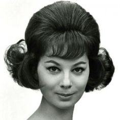 """1960s hair. Big hair was in, and you had to """"rat"""" it to get the big look. Beehive Hairstyles, 1960 Hairstyles, Vintage Hairstyles, Hairstyles Haircuts, Wedding Hairstyles, Hair And Makeup Artist, Hair Makeup, 1960s Hair, Sixties Hair"""