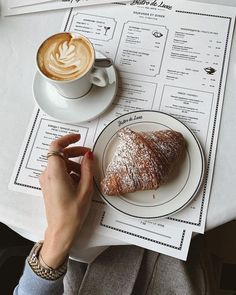 New brunch date aesthetic Ideas Coffee Shop Aesthetic, Aesthetic Food, Coffee Is Life, My Coffee, Coffee Signs, Coffee Creamer, Funny Coffee, Coffee Humor, Coffee Quotes