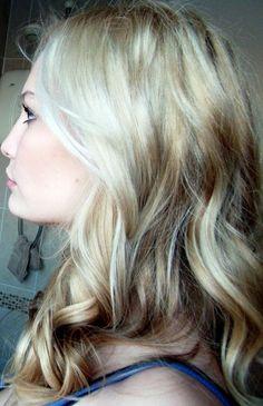 Pretty Multi Dimensional Blonde Hair Color