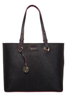 Bag DKNY piel saffiano tipo cesto. Playbcn · Bolsos Online ... 7c1ad76addfa
